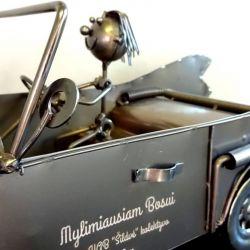dovana-bosui-automobilis mylimiausiam bosui