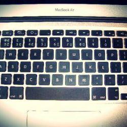 klaviaturos-raidziu-graviravimas