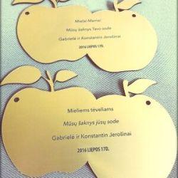 lenteles obuoliukai graviruotos padekos teveliams