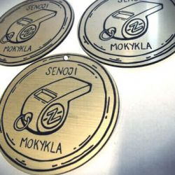 gaminti is plastiko medaliai-senoji-mokykla