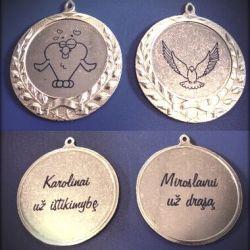 graviruoti medaliai-uz-drasa