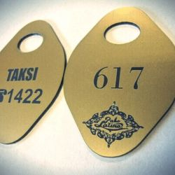 rubines-pakabukas-pabo-latino auksinio plastiko