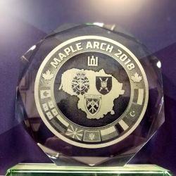 stiklinis-apdovanojimas-KAM