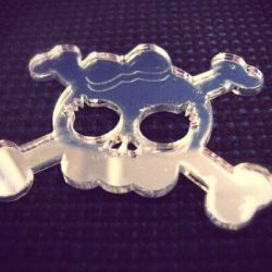 veidrodzio plastiko-pjaustymas lazeriu