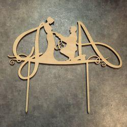vestuvinio-torto-smeigtukas inicialai porele