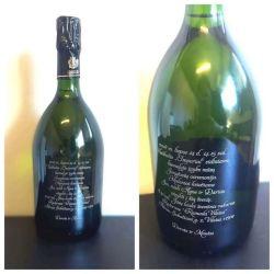 vestuviu-kvietimas-sampano butelis graviruotu pakvietimo tekstu