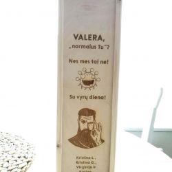 vyno-butelio-dezute-valera smaiskti dovana gimtadieniui