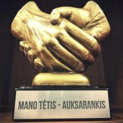 statulele rankos apdovanojimas-mano-tetis-auksarankis
