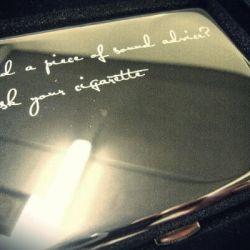 dekliukas-cigaretems-ASK