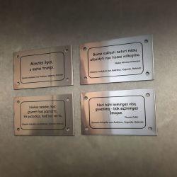 dovana-mokyklai graviruotos lenteles