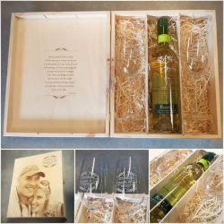 dovana-tuoktuviu-proga-taures ir butelys vyno medine dezute