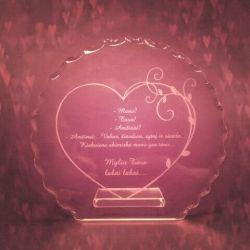 stiklinis suvenyras graviruotas valentino dienai