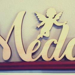 krikstynu-dekoracija-vardas-angeliukas medinis
