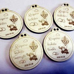 krikstynu-dovana-medaliai mediniai be virvuciu
