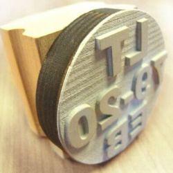 nestandartinis-antspaudas-LT guminis su rankenele