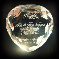 vestuvine padeka-dovana-mamai stiklinis deimantas