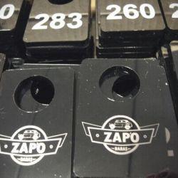 rubines numeriukai pakabukai plastikiniai
