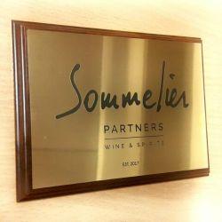 somelier-partners-plakete auksinis plastikas