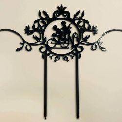 vestvinio torto-smeigtukas-juodas porele ant dviracio