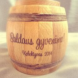 vestuvine-dovana-statinaite-medaus medine su graviravimu