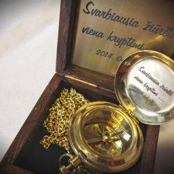 vestuviu-dovana-kompasas su graviruotu palinkejimu